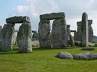 193px-Stonehenge_Closeup