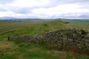 Hadrian's_Wall_view_near_Greenhead
